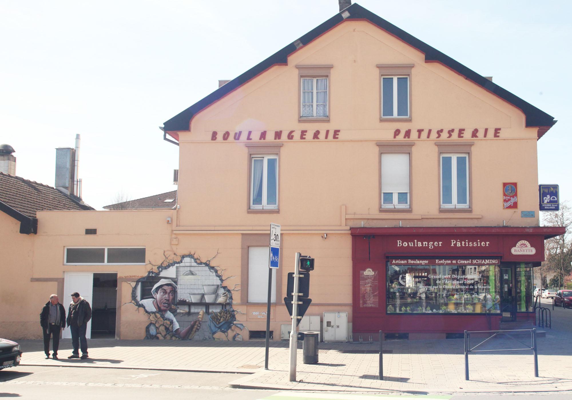 http://graffeur.ch/wp-content/uploads/2012/04/boulangerie_ensemble_trompe-loeil.jpg